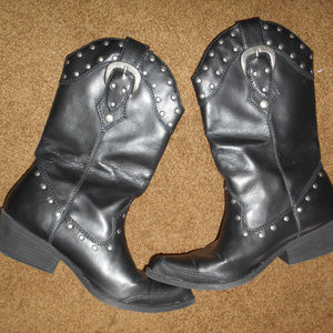 SM New York Black Boots w/Studs & Buckles SZ 7.5